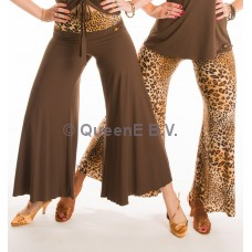 QueenE Flare leg pants leopard