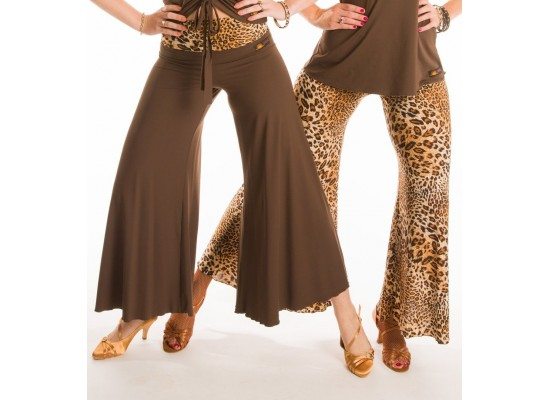 QueenE Flare leg pants leopard